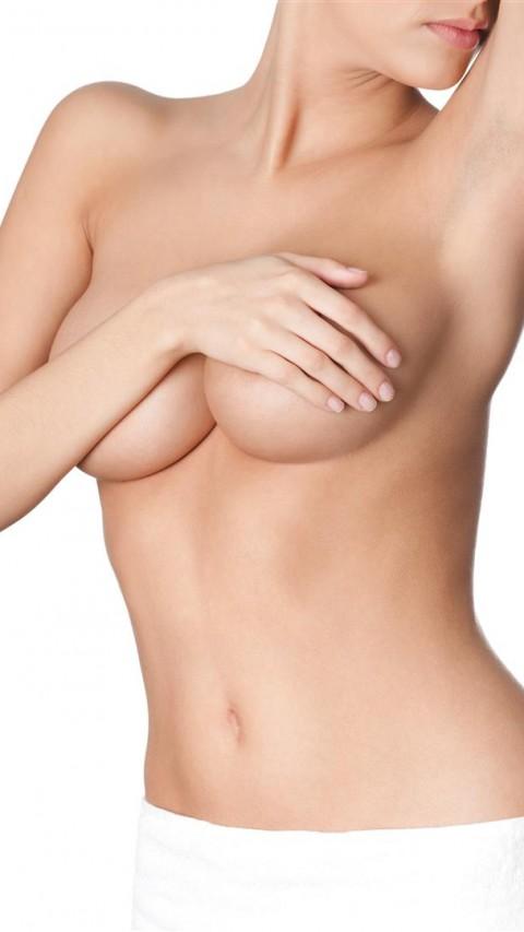 Mellnagyobbítás szilikon implantátum - dr. Bulyovszky István, PERFECT YOU Plasztikai Sebészet Budapest