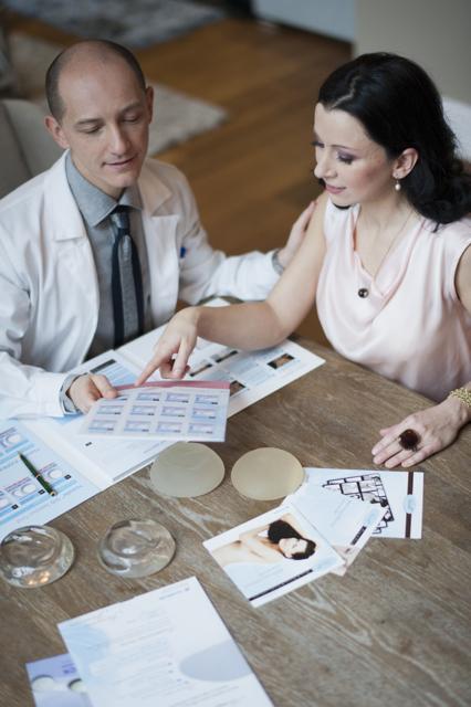 10 dolog, amit kell, hogy tudjon rólad a plasztikai sebész - dr. Bulyovszky István, PERFECT YOU Plasztikai Sebészet, Budapest